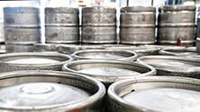 Handling and storing kegs