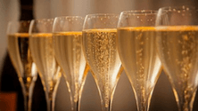 How still wine becomes sparkling wine