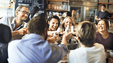 How to receive guests in a restaurant