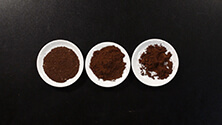 Grinding and dosing espresso coffee